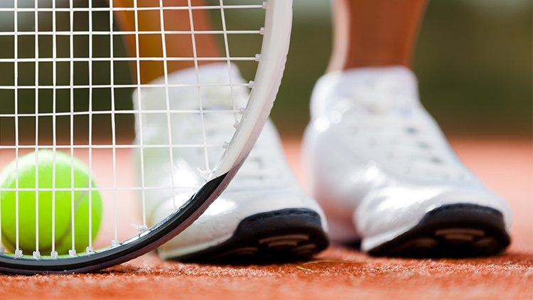 Tennis, anche gli sportivi soffrono di dolore all'anca
